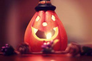 ハロウィンの飾り付けはいつからいつまでで何を飾るの?